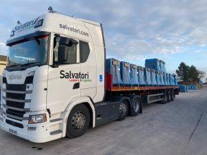 salvatori flatbed loading roof tiles in France
